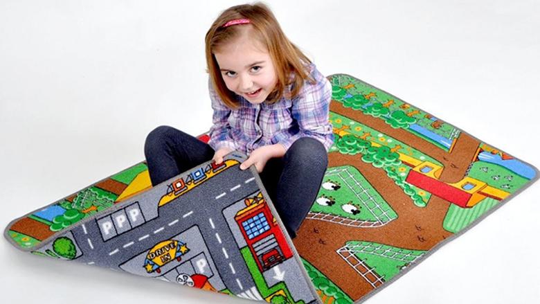 Foto: dětský koberec silnice